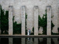 Brautpaar beim Fotoshootin in der Location in Potsdam