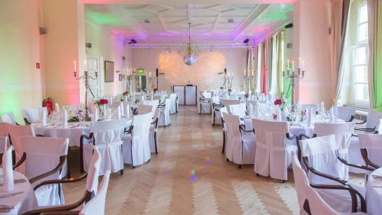 Bankettsaal im Parkhotel Schloss Wulkow